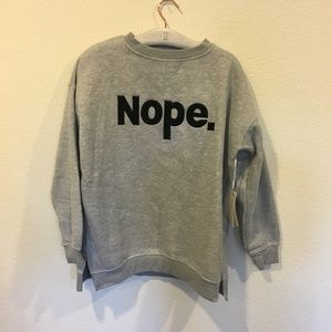 Iris Sweaters - NWT Iris gray graphic sweatshirt